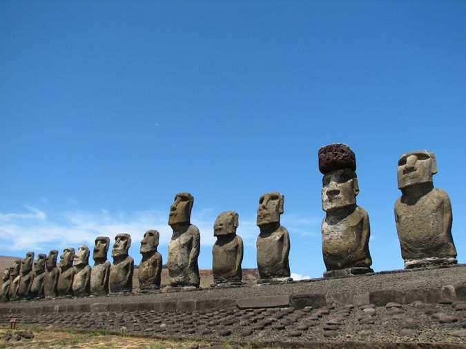 Достопримечательности Чили, Моаи
