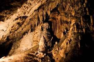 Пещеры Ан, Ан-сюр-Лес