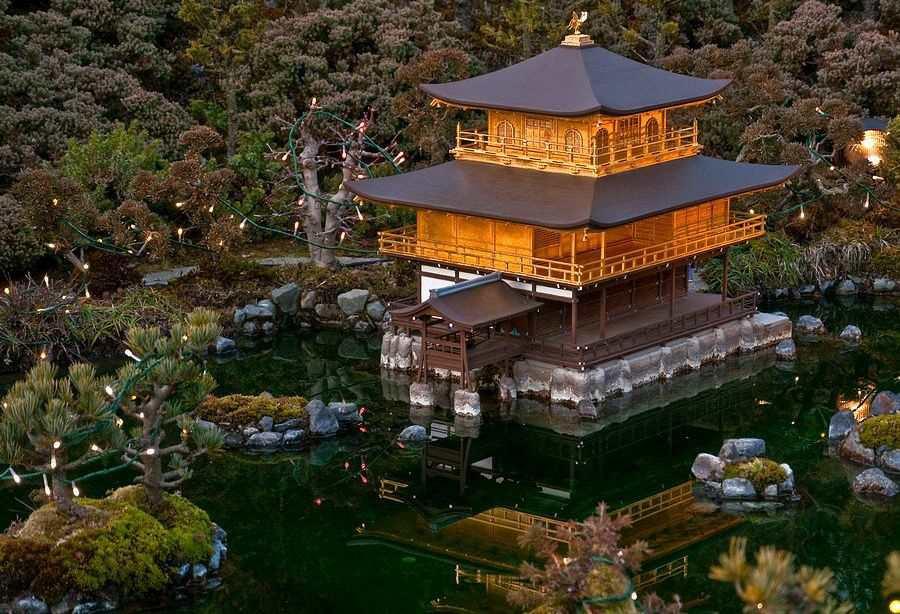 Кинкаку-Дзи – дзен-буддистский храм в Киото, Япония