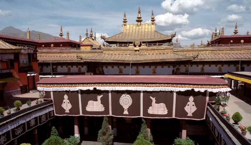 Храм Джоканг в Лхасе