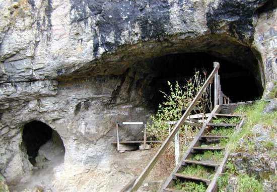 Денисовая пещера в Алтае