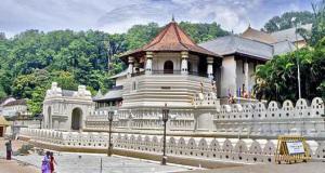 Храм Зуб Будды