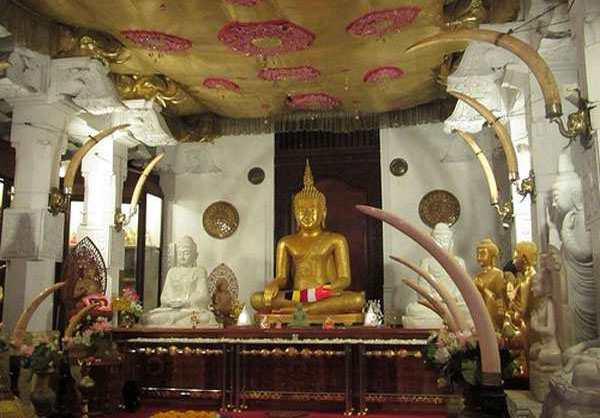 Храм Зуб Будды, Шри-Ланка