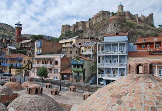 Древняя крепость Нарикала