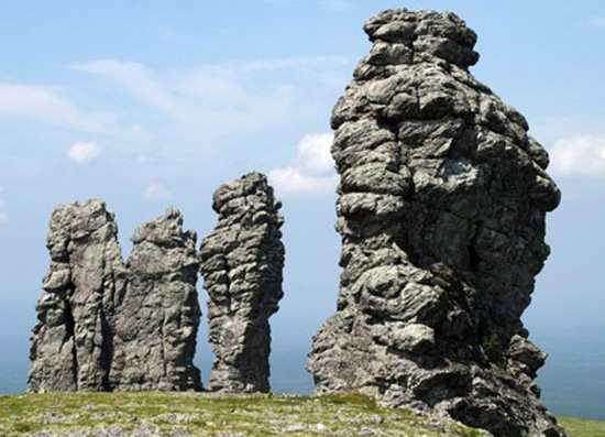плато Мальпупунёр со «столбами выветривания»